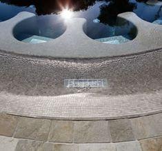 Mosaici ricavati da lastre Grip di Kronos Ceramiche per il rivestimento dei bordi vasca: resa estetica e garanzia di antiscivolo a piede nudo anche su superficie bagnata.  #kronosceramiche #piscina #gressporcellanato #tagliosumisura #bordovasca #gres #ceramics #tiles #floor #interiordesign  #architecture #archilovers #design #gresstone #porcelain #porcelainpavers #inspiration #pooldesign #floordesign #outdoor #archilovers #wellness #spa #madeinitaly