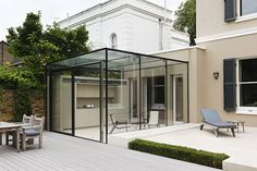 jaw-dropping small patio with glass walls to copy ideas - living design, Glass Extension, House Extension Design, House Design, Modern Conservatory, Glass Room, Glass Walls, Glass Structure, Pergola Patio, Pergola Screens