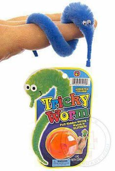 Tricky worm with hidden string to make it look alive 90s Childhood, My Childhood Memories, Christmas Toys, Retro Christmas, Retro Toys, Vintage Toys, Retro Stockings, 90s Kids, Classic Toys