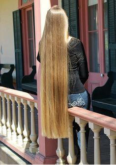 This one wanted a trim, so I was happy to give to her Permed Hairstyles, Pretty Hairstyles, Straight Hairstyles, Soft Hair, Silky Hair, Beautiful Long Hair, Gorgeous Hair, Amazing Hair, Long Hair Community