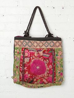 pink-gypsy-cats:    (via JP and Mattie Marimba Tote at Free People Clothing Boutique)  color…