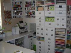Scraproom ---LOVE the storage for machines Scrapbook Room Organization, Scrapbook Storage, Craft Organization, Scrapbook Rooms, Sewing Room Design, Craft Room Design, Sewing Rooms, Space Crafts, Home Crafts