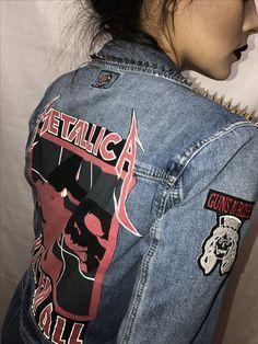 Metallica Kill Em All Jacket #nirvana #ozzyosbourne #ledzeppelin #gunsnroses #rollingstones #ramones #themisfits #misfits #anarchy #theoffspring #motorhead #rockconcertphotography #slayer #kissband #metallica #ramones #ironmaiden #etsyseller #etsyvintageshop #rockandroll #heavymetal #metal #vests #jacket #studdedvest #kiss #vintage #thrasher #metalvest #rockvest
