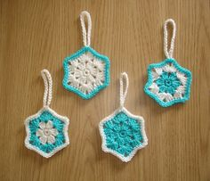 Easy Snowflake Christmas Decoration - free pattern by marianna mel