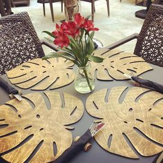Wooden Rustic Place Mat Handmade Nature Decor for Wedding Table Decoration Mats Monstera Leaf Placemats Kitchen Decor Wood Botanic Placemat Wood Projects, Projects To Try, 3d Cnc, Diy Crafts, Wood Crafts, Nature Decor, Wedding Table, Party Wedding, Coaster
