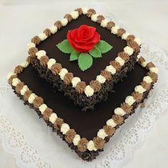 Patrový dort tvaru čtverce s krémovými pusinkami od nás pro Vás, www.cukrovi-kuncovi.cz čokoládový dort klasického typu Cake, Desserts, Food, Tailgate Desserts, Deserts, Kuchen, Essen, Postres, Meals