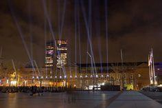 Laatste weekend. Een 'hemels' mooi plein. Eindhoven Glow. #willemlaros #photography #travelphotography #traveller #canon #fotocursus #fotoreis #travelblog #reizen #reisjournalist #panasonic #compositie #travelwriter #vubreda #fotoworkshop #reisfotografie #landschapsfotografie #cameranu #flickr #fbp