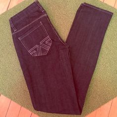 American Eagle Black Jeans Brand new American Eagle black jeans! They're super cute but were lying in the back of my closet and never got it wear them! American Eagle Outfitters Jeans Straight Leg