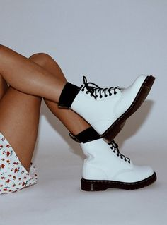 Boots,Shop Women's Boots Online Australia - Princess Polly Women's Shoes Whether ballerinas, sneakers, high heel shoes or shoes - beautiful shoes are every . Hype Shoes, Women's Shoes, Me Too Shoes, Cute Shoes Boots, Shoes Sneakers, Shoes Style, Platform Shoes, Flat Shoes, Ankle Boots