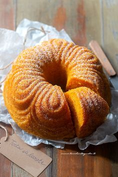 Soft and simple carrot cake (the best recipe) in 15 minutes!- Torta di carote soffice e semplice (la Miglior Ricetta) in 15 minuti! Very soft and simple carrot cake (the best … - Easy Cake Recipes, Sweets Recipes, Cooking Recipes, Desserts, Food Cakes, Cupcake Cakes, Torte Cake, Rainbow Food, Plum Cake