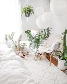 The Mid Century Modern Decor On A Budget That&;s Perfect For Your Dorm Room The Mid Century Modern Decor On A Budget That&;s Perfect For Your Dorm Room Laura Grammelspacher grammelspacher Dreamhouse This mid […] Living Room Dream Bedroom, Home Bedroom, Room Decor Bedroom, Living Room Decor, Bedroom Ideas, Bed Room, White Room Decor, Bedroom Inspiration, Warm Bedroom