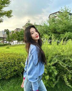 Fotoğraf - Google Fotoğraflar Red Velvet Joy, South Korean Girls, Korean Girl Groups, Park Sooyoung, Joy Instagram, Korean Singer, Kpop Girls, Kang Seulgi, Kim Yerim