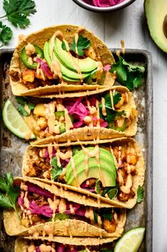 These Spicy Breakfast Potato Tacos (vegan) with avocado, jalapeño and vegan chipotle mayo are one of our new favorite homemade brunch recipes. Breakfast Tacos, Breakfast Potatoes, Vegetarian Breakfast, Vegan Chipotle, Chipotle Mayo, Vegan Tacos, Potato Tacos, Potato Diet, Gluten Free Tacos