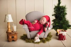 35 ideas photography ideas kids baby newborn shoot sweets for 2019 Newborn Christmas Photos, Baby Christmas Pictures, Baby Christmas Photoshoot, Baby Boy Christmas Outfit, Christmas Portraits, Family Pictures, Winter Baby Pictures, Girl Pictures, Baby Photoshoot Ideas