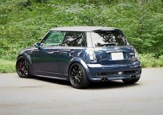 Love the look of this lowered Mini
