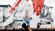 Tips for women to survive, thrive in the trades - constructconnect.com Operating Engineers, Work Jokes, One Of The Guys, Emotional Intelligence, Woman Face, How To Introduce Yourself, Survival, Commercial, Construction