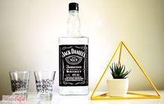 DIY: Luminária de garrafa Jack Daniels