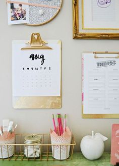 Great DIY organization tip: hang your planner and to-do lists on a clipboard. Dream Home Office Decor: cute planner/calendar idea.
