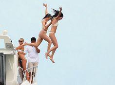 Η Kylie Jenner με καυτό μπικίνι και εξαιρετικό μαλλί - Celebs | Ladylike.gr