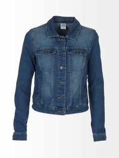Klassisessa farkkutakissa on napitus ja valetaskut rinnassa. Helmassa on avoimet taskut ja hihansuissa napilliset halkiot. Pituus koossa M on 55 cm. Materiaali ...