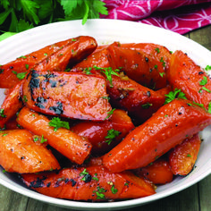Garlic Roasted Carrots Honey Garlic Roasted Carrots are delicious, tender and tossed in a sweet honey garlic butter sauce.Honey Garlic Roasted Carrots are delicious, tender and tossed in a sweet honey garlic butter sauce. Diet Recipes, Cooking Recipes, Healthy Recipes, Honey Recipes, Recipes For Carrots, Glazed Carrots Recipe Easy, Baby Carrot Recipes, Carrots Healthy, Sweet Potato Recipes Healthy