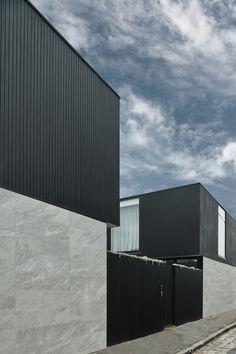 Exterior Tiles, Exterior Cladding, Diy Blinds, Diy Curtains, Timber Outdoor Furniture, Globe West, Boundary Walls, Black Exterior, Display Homes