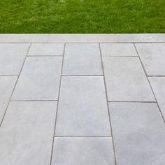 bluestone paving in a running bond