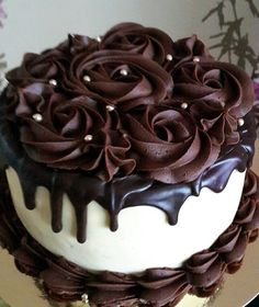 haa tho obviously 3 baje tak kar raha tha mai Cake Decorating Frosting, Cake Decorating Designs, Cake Decorating Videos, Cake Decorating Techniques, Chocolate Cake Designs, Chocolate Desserts, Crazy Cakes, Just Cakes, Drip Cakes