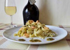 Tagliatelle al pesto siciliano e gamberi- ricetta veloce