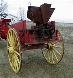 Antique John Deere Studebaker IH Wooden wheel Farm Wagons for Sale Wooden Wagon, Wooden Wheel, Wagons For Sale, Central Illinois, Chain Drive, Rubber Tires, Ih, Cannon, Tractors