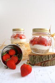Petits cheesecakes chèvres frais et fraises en bocal (sans cuisson, sans gluten)