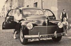 Peugeot 203 Peugeot, Antique Cars, Classic Cars, Wheels, Vintage, Antiques, Vehicles, Europe, Antique Pictures