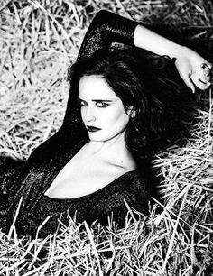 Eva Green by Ellen von Unwerth Glamour Italia August 2016 Ellen Von Unwerth, Actress Eva Green, Become A Photographer, Bond Girls, French Actress, Female Stars, Famous Faces, Actors & Actresses, Beautiful Women