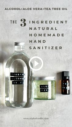 Effective Homemade Hand Sanitizer Gel - An effective recipe for homemade hand sanitiser – with just a couple of ingredients you can make t - Natural Cleaning Recipes, Natural Cleaning Products, Vegan Deodorant, Natural Hand Sanitizer, Diy Shampoo, Natural Essential Oils, Glass Containers, Tea Tree Oil, Making Ideas