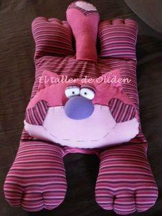 gato guarda pijamas