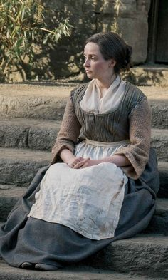 In Season Jamie Fraser must fight to protect those he loves, as well as the home he has established alongside his wife, Claire Fraser, their family, and the settlers of Fraser's Ridge. Outlander Casting, Outlander Tv Series, Starz Series, Outlander Book, Outlander Quotes, Diana Gabaldon, Laura Donnelly, Outlander Costumes, Renaissance