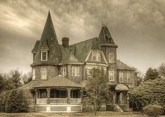 This is the beautiful Victorian that we hear so many stories about.  Does anyone actually live in it or are the stories all true?