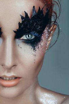 Black Swan - Make Up - Lips - Eyes - Fantasy disfraz cisne negro Eye Makeup Art, Lip Makeup, Beauty Makeup, Makeup App, Mask Makeup, Makeup 2018, Makeup Artistry, Make Up Looks, Black Swan Makeup