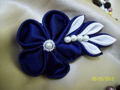 Handmade fabric flowers and headbands TUTORIAL kanzashi flower and leaves from fabric. GREAT TUTE