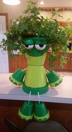 Mr Frog.. Barbara Trainors... Clay Pot People, Clay Pot Crafts, Clay Pots, Planter Pots, Garden, Terracotta Pots, Gardens, Gardening, Home Landscaping