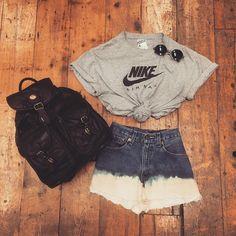 #octopussgarden #vintage #shop #store #lookbook #ootd #flatlay #nike #tshirt #denim #shorts #levis #bleached #customised #bag #styling