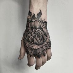 Many people associate tribal tattoos with blackwork, but Russian tattoo artist Parvick Faramarz's work shows the true potential of this form. Using nothing but black ink, Faramarz creates massive pieces that have a surprising amount of detail. Black And Grey Tattoos For Men, Tattoos For Women Small, Black Tattoos, Tribal Tattoos, Small Tattoos, Tattoos For Guys, Mandala Rose Tattoo, Flower Tattoo Hand, Flower Tattoo Designs