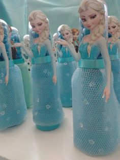 1 million+ Stunning Free Images to Use Anywhere Frozen Birthday Party, 1st Birthday Parties, Frozen Castle Cake, Frozen Party Decorations, Elsa, Plastic Bottle Crafts, Little Mermaid Parties, Bday Girl, Winter Wonderland Wedding