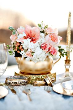 Vintage Teapot And Teacup Wedding Ideas ❤ See more: http://www.weddingforward.com/vintage-teapot-and-teacup-wedding-ideas/ #weddings