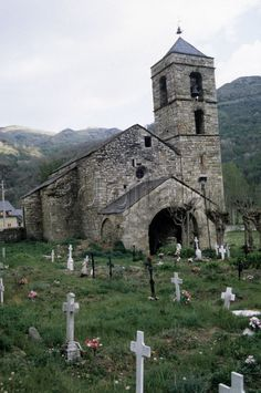Iglesia de San Feliu de Barruera  Lleida  Catalonia My Father's House, Cathedral Basilica, Archaeological Discoveries, Sacred Architecture, Place Of Worship, Second World, Old World, Wilderness, Scenery