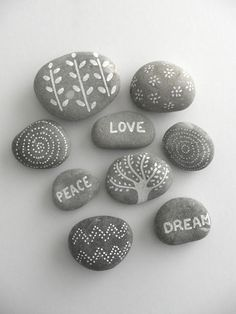 We have a new Rock Painting ideas for you. #rockpaintingideas #paintedrockideas #stoneart #rockart