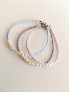 Seed Bead Jewelry, Bead Jewellery, Cute Jewelry, Jewelery, Jewelry Accessories, Seed Beads, Freshwater Pearl Bracelet, Bridesmaid Bracelet, Beaded Jewelry Patterns