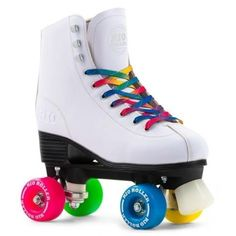 Rio Roller Figure White Rolschaatsen Leuke rolschaatsen voor beginners van Rio Roller voor recreatief gebruik. The Rio Roller Figure skate brings all the fun and style of Rio Roller into a figure quad skate, giving the rider a skate that looks great and performs like a dream! Vegan friendly, figure style skate with PVC leather construction High quality heel support and insoles Fun rainbow laces PU cast 82A multi-colour wheels with Rio's exclusive design to prevent axles from ...