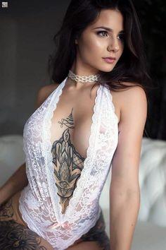 Busty curvy milf mum model in sexy big breasted bikini swimwear. Tattoo Girls, Girl Tattoos, Tattoos For Women, Tattooed Women, Woman Tattoos, Tatoos, Brust Tattoo, Hot Tattoos, Beautiful Tattoos