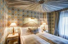 Интерьер отеля в Люцерне Château Gütsch, декоратор Мартин Лоуренс Буллард #hotel #гостиница #интерьер